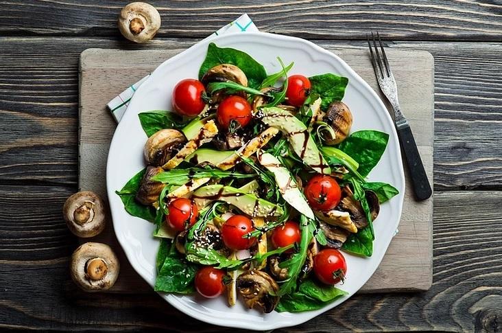 efnan bitkisel karışımlı salata